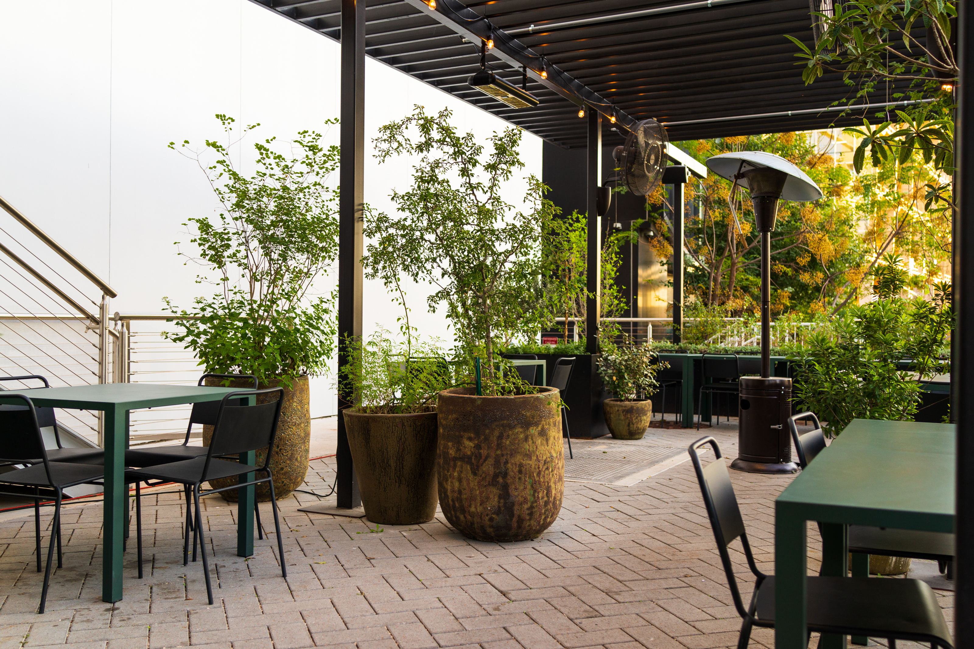 The Best Outdoor Patios And Backyards At Austin Restaurants And Bars Austin The Infatuation