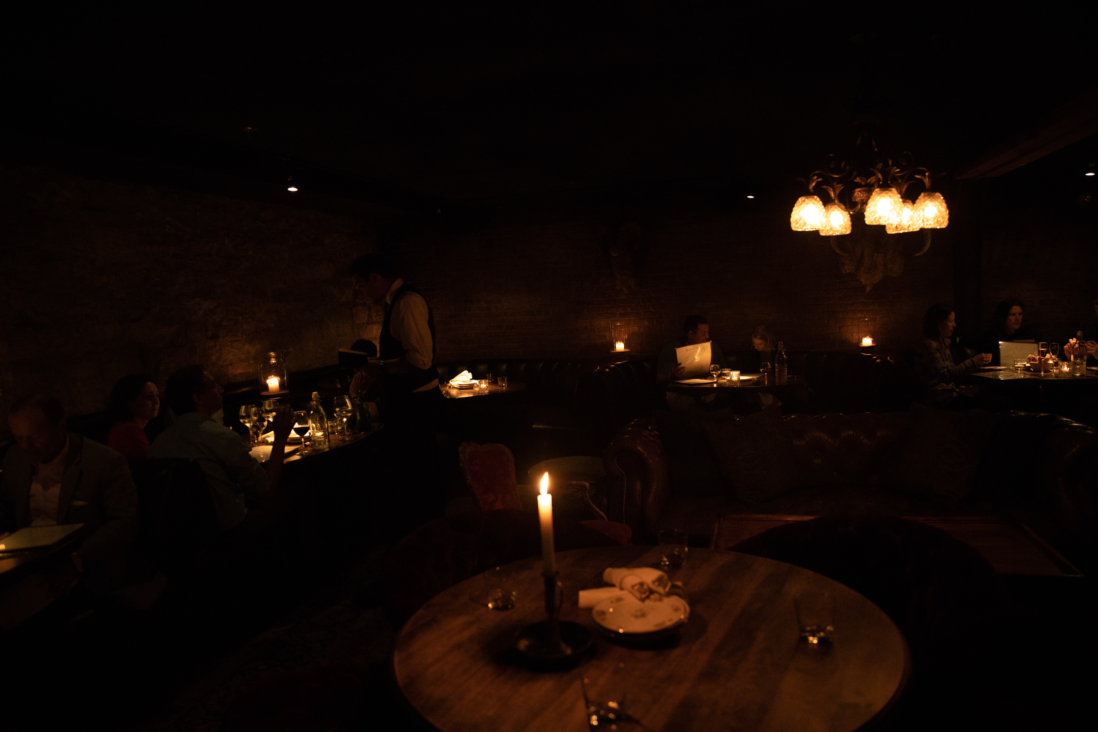 A Guide To Chicago S Darkest Restaurants Chicago The Infatuation