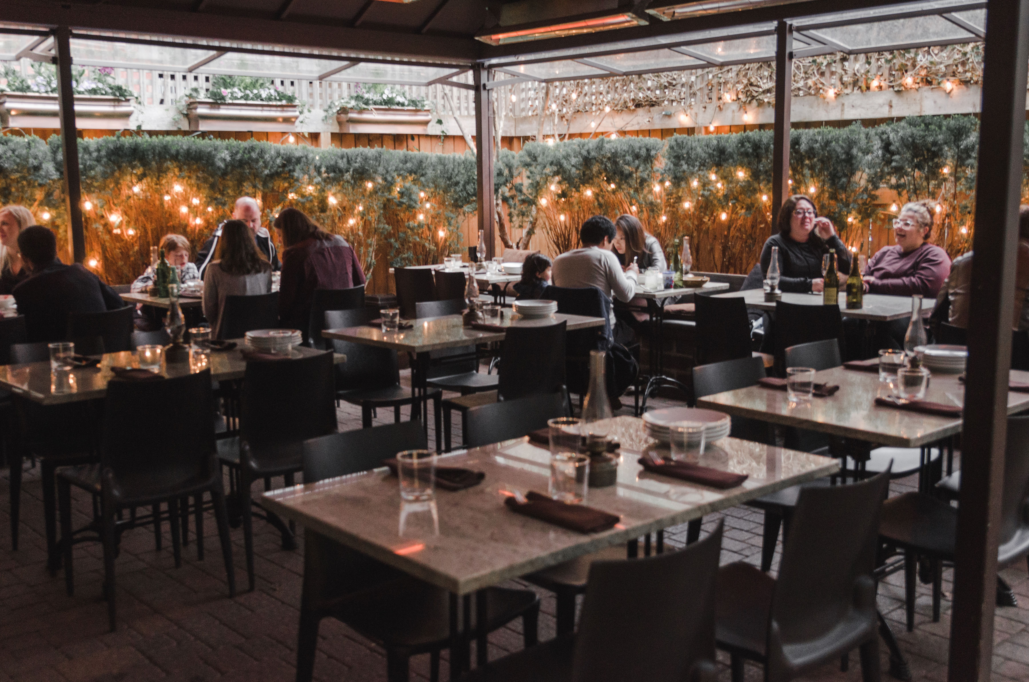 Chicago Bars And Restaurants Where You Can Eat And Drink Outside Chicago The Infatuation